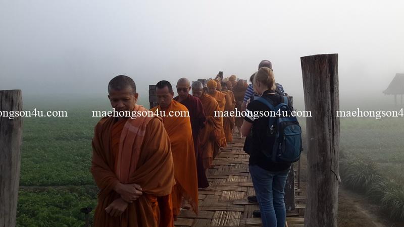 su tong pae monk walk