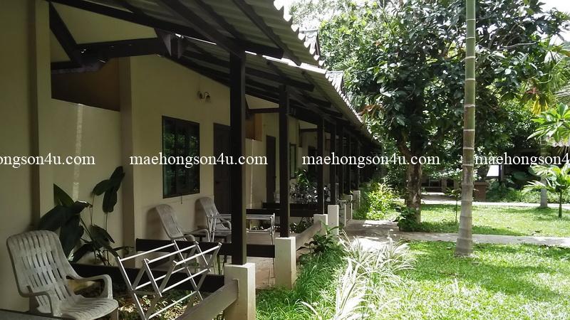 piya guesthouse garden