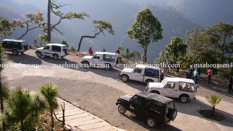 jeep trek team at san fah viewpoint